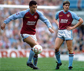 Paul McGrath og Kent Nielsen